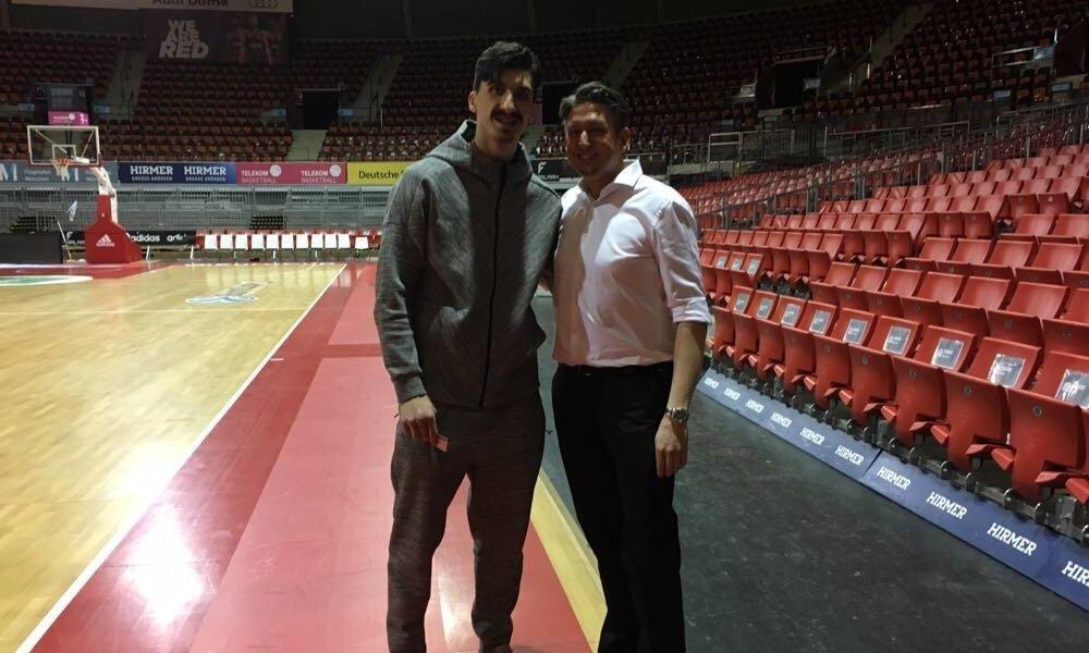 Videodreh mit Basketballspieler des FC Bayern München Nihad Đedović und Zauberer TOMBECK