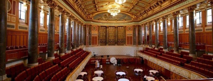 TOMBECK im Abbot Kurhaus Wiesbaden bei einer magischen Firmenveranstaltung