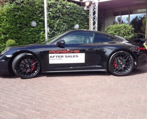 Magier TOMBECK verzaubert die Gäste von Porsche