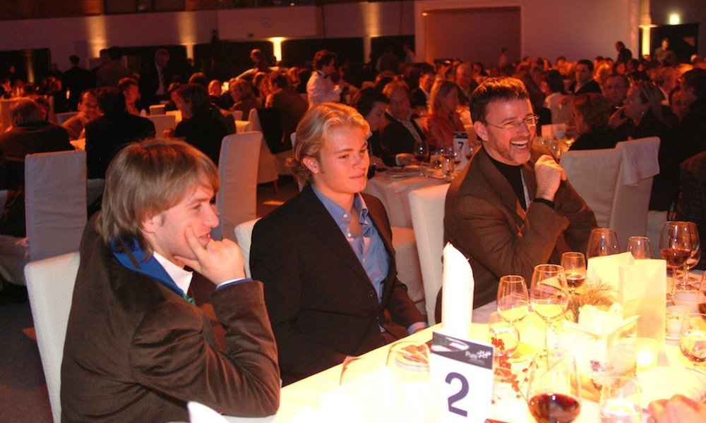 Magier TOMBECK verzaubert, bei einer Produktpräsentation von BMW, Nick Heidfeld und Nico Rosberg in Saalfelden -Östereich