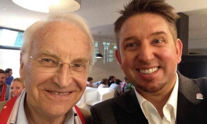 Zauberer TOMBECK begeisterte Politiker Edmund Stoiber schon mehrmals auf den verschiedensten Veranstaltungen