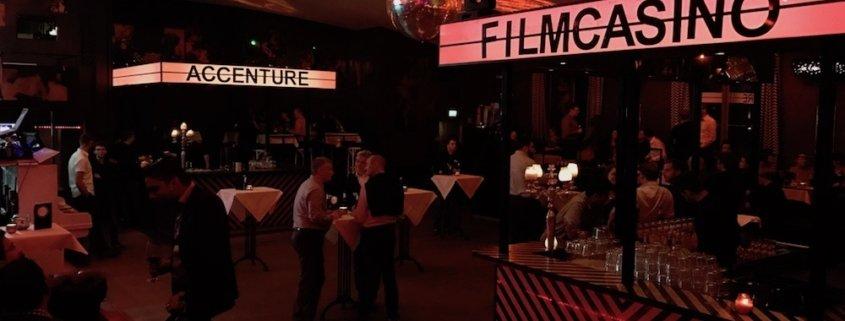 Zauberer TOMBECK zeigt Magisches im Filmcasino München für Accenture