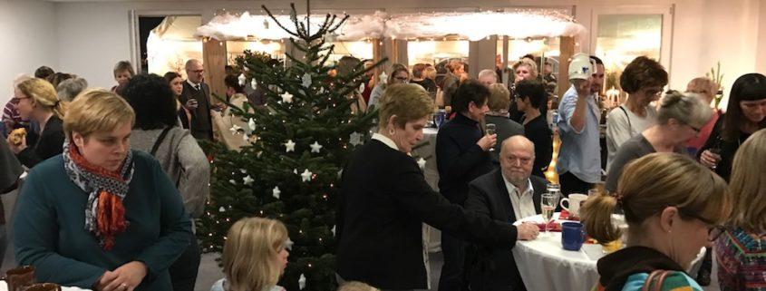 Zauberer TOMBECK zaubert auf der Weihnachtsfeier von Doc to Rent in Hockenheim.