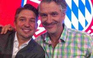 Magier TOMBECK und Bernhard Fleischmann beim FC Bayern München in der Allianz Arena