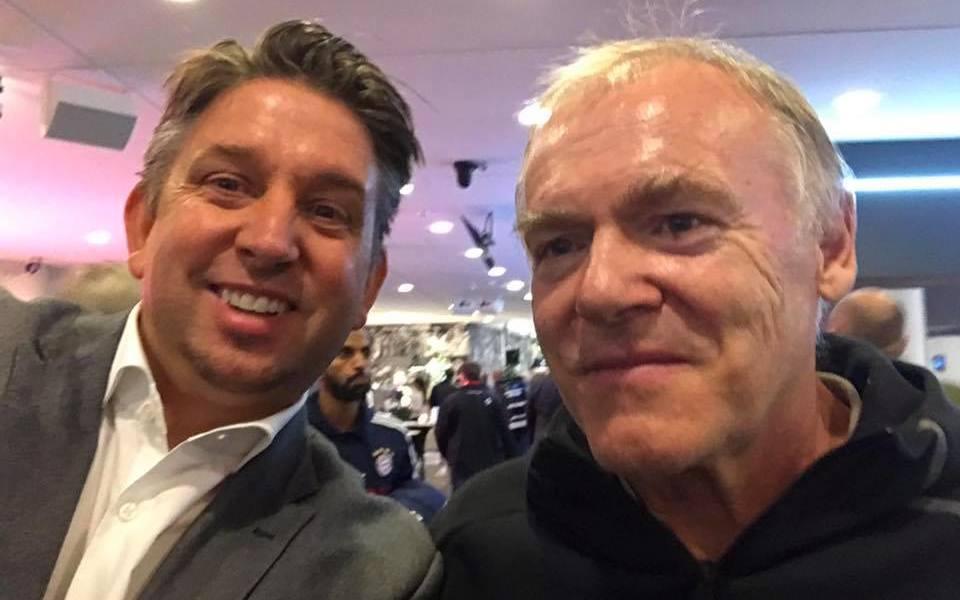 Zauberer TOMBECK und Hermann Gerland beim FC Bayern München