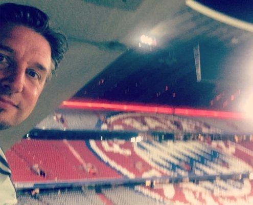 Zauberer TOMBECK begeisterte die Zuschauer auf dem Fanfest des FC Bayern München vor der Allianz Arena.