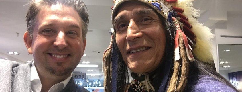 Der Showact von Zauberer TOMBECK begeisterte die Besucher der langen Shopping Nacht in München