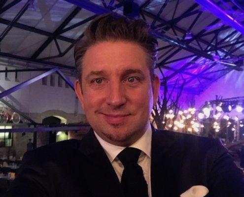 Zauberer TOMBECK begeistert in Berlin auf exklusivem Firmenevent