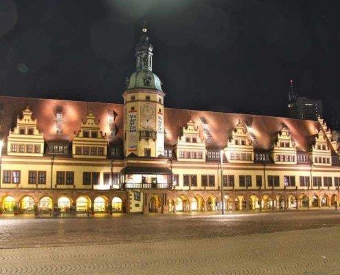 Tischzauberer TOMBECK war das Gesprächsthema des Abends! Mit seiner Close-Up Zauberei begeisterte der Magier im Alten Rathaus in Leipzig.