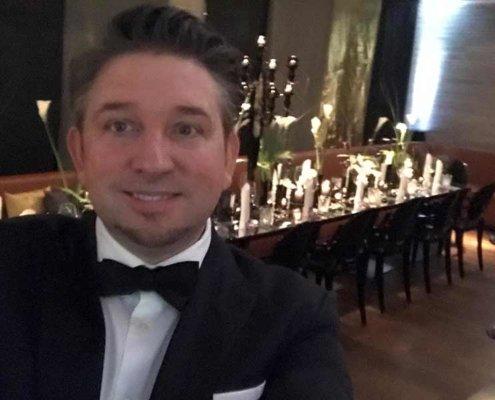 In einem Luxushotel mit Blick auf den Stephansdom feierten Marion und Christian Ihre Traumhochzeit mit Zauberer TOMBECK.