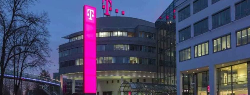 TOMBECK , der Zauberer Bonn verzaubert die Weihnachtsfeier der Deutschen Telekom in Bonn.